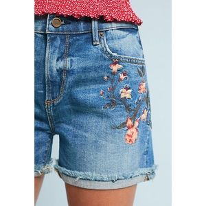 NWT DRIFTWOOD Carin Floral Embroidered Jean Shorts